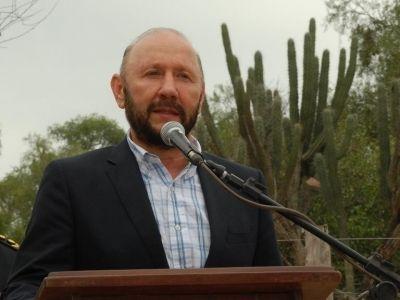 Insfrán le pidió a Gendarmería trabajar juntos contra el narcotráfico